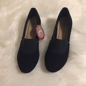 Mia Amore shoes with memory foam size 8.5W